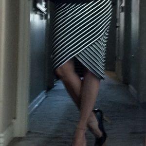 iris Skirts - 🎉HP🎉adorable Iris skirt💕NWT